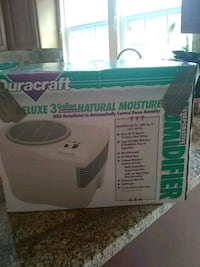 Humidifer 3 gallon Deluxe Duracraft Woodbridge, 22192