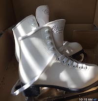 Figure Skate size two Newmarket, L3X 2Y2