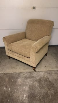 Kellogg Collection Cream Fabric Sofa Chair Washington, 20009