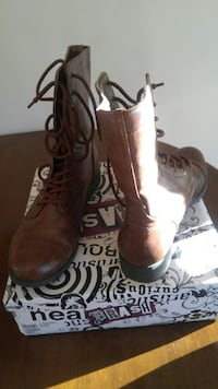 Womans boots size 9. Brand new North Andover, 01845