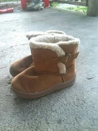 pair of brown suede boots size 7 Lyerly, 30730