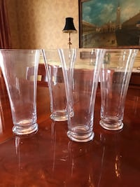 4 Matching Glass Vases Armonk, 10504