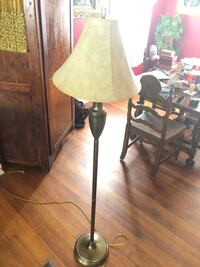 White and brown table lamp New Orleans, 70125