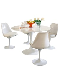 5 pc dinette set: Tulip Table+4 Chairs. MCM. Alexandria, 22310