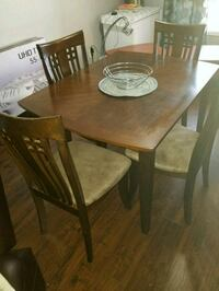 Small 4 chair dinning table  Toronto, M1E 3Y3