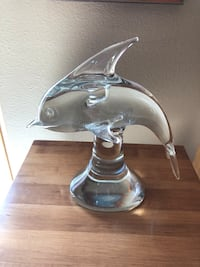 Glass dolphin Sioux Falls, 57103