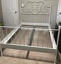 White metal bed frame Oxon Hill, 20745