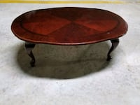 Solid wooden coffee table.. Toronto, M1H 3H8