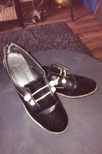 Black patent shoes Welland, L3B 4H5