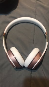 Dre beats White and gold wireless headphones  Lakewood, 90713