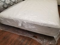 double/ full mattress, box spring 40. Delivery 30$