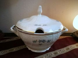 BERNADOTTE Czech Fine Porcelain Soup Tureen with