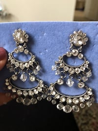 Chandelier earrings  Aurora, L4G 0R7