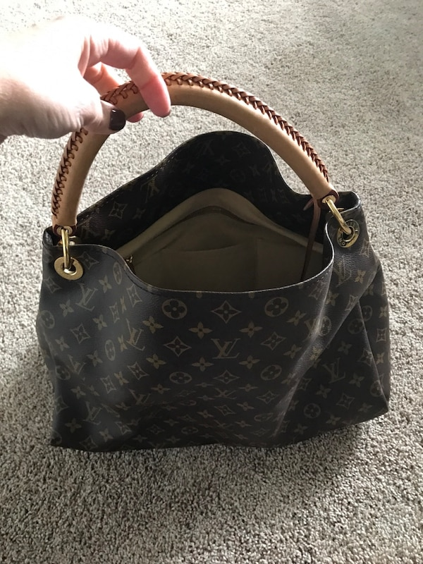 d5d1825e42b3 Used Brown Louis Vuitton Monogram Leather Bag for sale in Woodstock - letgo