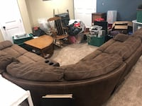 Chocolate brown Havertys sectional w/ reclining seats. Rarely used, must Go asap Laurel, 20723