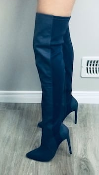 Gwen stefani Dark blue leather thigh High boots Kitchener, N2R 0K6