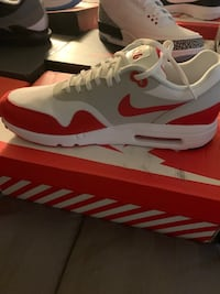 Air Max day 1's size 11