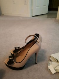 pair of brown leather peep-toe platform pumps Ajax, L1Z