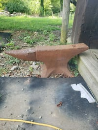 Antique anvil  Somerville, 45064