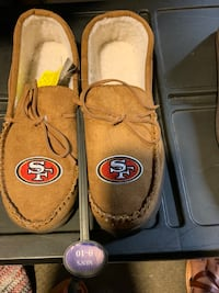 San Fran 49ers moccasin slippers Springfield, 01151