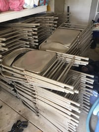 90 folding metal chairs great condition  North Royalton, 44133