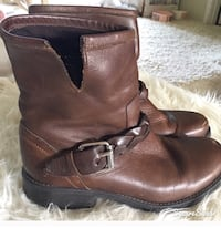 Steve madden brown oiled motorcycle boots size 9 great condition Puyallup, 98375