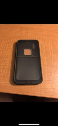 Black and green life proof case for iPhone X  Las Vegas, 89110