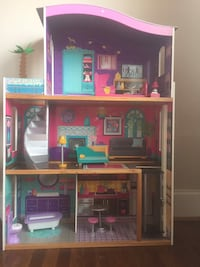 Pink and brown wooden doll house Rockville, 20853