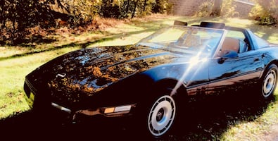 Chevrolet - Corvette - 1984 T top coupe/convertible Manual 4 Speed