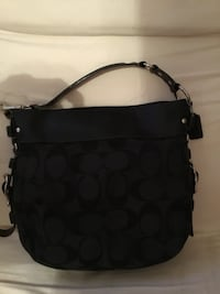 women's black Coach hobo bag New York, 10465