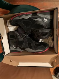 Gym Red Jordan 8s *Size 9* Great Condition
