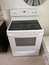 Stove and microwave New Port Richey, 34655
