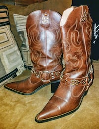 pair of brown leather cowboy boots Pasadena, 21122