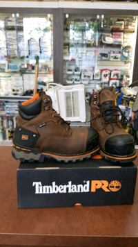Work boots brand new in box SA approved  Edmonton, T5G 0N4
