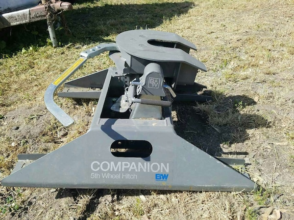 5th Wheel Gooseneck Hitch >> Used Like New 5th Wheel Gooseneck Hitch For Sale In Valley Springs