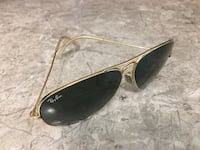 Black ray-ban aviator sunglasses Mississauga, L5C 1J5