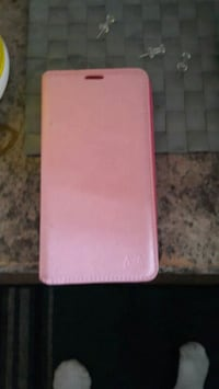 pink leather flip case screenshot Edmonton, T5W 1Y2