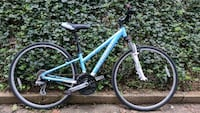 blue and white hardtail mountain bike Arlington, 22207