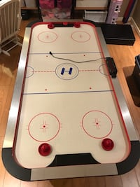 Air hockey table Mississauga, L5W 1K5