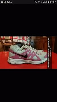 Chaussures Nike roses Décines-Charpieu, 69150
