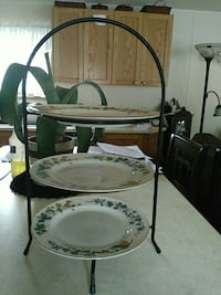 3 tier serving rack Gravenhurst, P1P 1R1