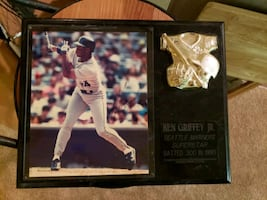 Signed Ken Griffey Jr. photo