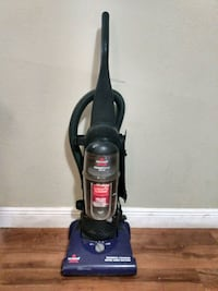 Vacuum cleaner and steam