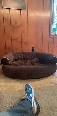 Extra Large FRONTGATE Dog Bed Chesterfield, 63017