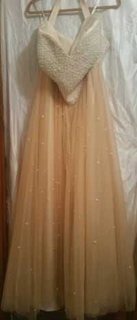 Non-traditional Wedding/ Prom Gown Pittsburgh, 15235
