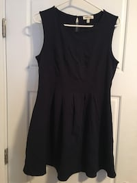 Size XL Dress never worn  Kelowna, V1Y 4K8