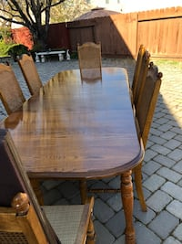 Broyhill  Brown wooden dining table set