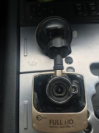 Full HD dash camera ( loop ) as is.... Mississauga, L4Y 2A6