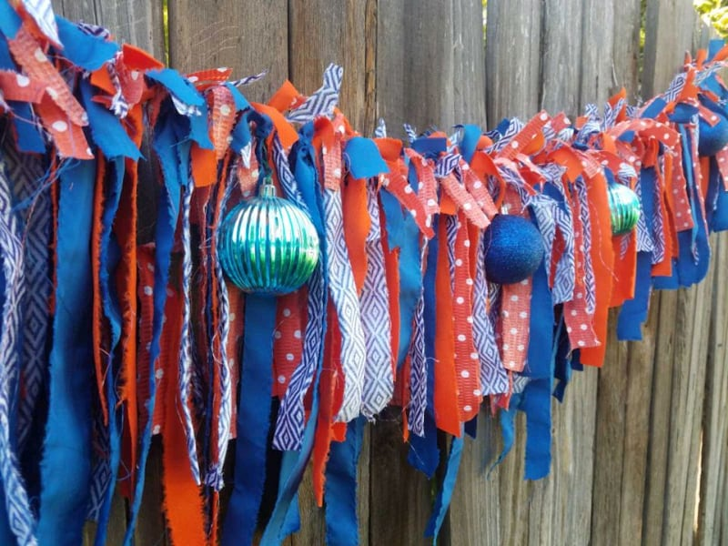 Hand tied Garland 00ceb313-9ede-4439-baba-d8f4f6eb722c