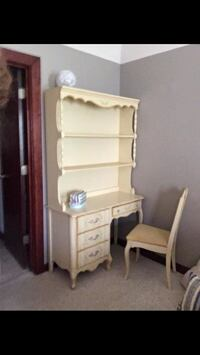 Yellow vintage wooden desk/vanity with hutch Houston, 77004